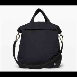 NWT Lululemon On My Level Bag 19L, TRNV